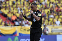 BARRANQUILLA - COLOMBIA - 10-11-2016:  Wilton Pereira Sampaio (BRA), arbitro, durante partido entre Colombia y Chile por la fecha 11 de la clasificatoria a la Copa Mundial de la FIFA Rusia 2018 jugado en el estadio Metropolitano Roberto Melendez en Barranquilla./ Wilton Pereira Sampaio (BRA), referee, during the match between Colombia and Chile for the date 11 of the qualifier to FIFA World Cup Russia 2018 played at Metropolitan stadium Roberto Melendez in Barranquilla. Photo: VizzorImage/ Gabriel Aponte / Staff