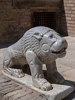 Steinlöwe in der Festung Ark in Buchara, Usbekistan, Asien, UNESCO-Weltkulturerbe<br />
