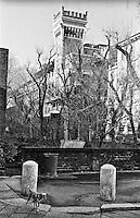 """Milano, zona Sant'Ambrogio. Veduta verso Castello Cova in via Carducci --- Milan, downtown, Sant'ambrogio area. View towards Castello Cova (""""Cova Castle"""") in Carducci street"""