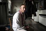 """Oleksandr, der """"Stabschef"""" des Oblast Kiew des Sektors, er war schon an der Front und hat gekämpft , Mitglieder des Pravyj Sektor im besetzten Postgebäude in Kiew / Members of the Prawy Sektor in an occupied postoffice."""