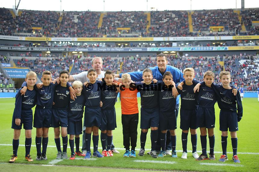 Einlaufkinder vom SV 07 Nauheim - Eintracht Frankfurt vs. Hamburger SV, Commerzbank Arena
