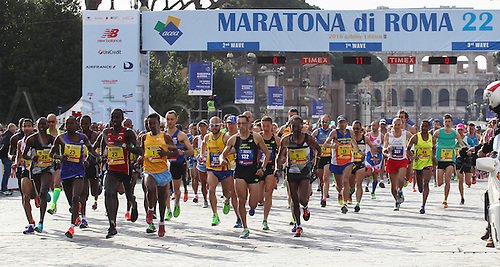 10.04.2016. Rome, Italy. 22nd annual Marathon of Rome City and Run for Fun. Start of the elite runners group.