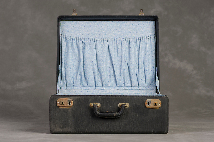 Willard Suitcases / Mildred G / ©2014 Jon Crispin