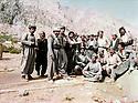 Iraq 1981 <br /> In Kala Tukan, near Qandil, a group of peshmergas of PUK, among them, Mullazem Omar Abdallah and Sheikh Jaffar Sheikh Mustafa  <br /> Irtak 1981 <br /> A Kala Tukan, pres de Qandil, un groupe de peshmergas de l'UPK; au milieu d'eux, Mullazem Omar Abdallah et Sheikh Jaffar Sheikh Mustafa