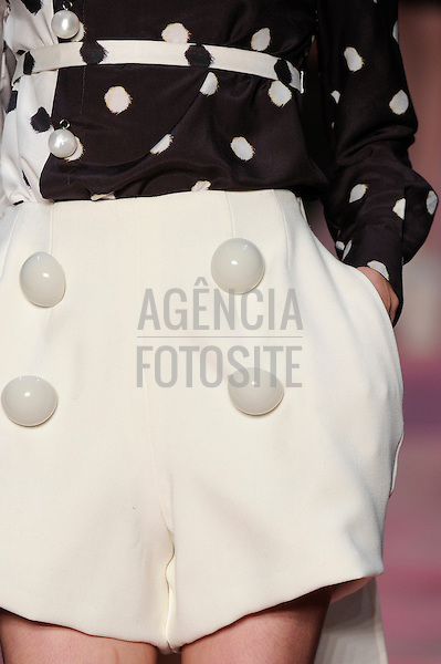 Rio de Janeiro, Brasil – 12/01/2011 - Detalhe do desfile da Giulia Borges durante o Fashion Rio  -  Inverno 2011. Foto : Marcelo Soubhia/ Agência Fotosite