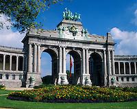 Belgium, Province Brabant, Brussels: Monumental arcade of the Palais du Cinquantenaire | Belgien, Provinz Brabant, Bruessel: Triumphbogen im Jubelpark