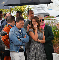 """CANNES, FRANCE. May 18, 2019: Antonio Banderas & Penelope Cruz at the photocall for the """"Pain and Glory"""" at the 72nd Festival de Cannes.<br /> Picture: Paul Smith / Featureflash"""