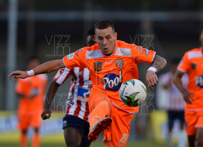 ENVIGADO - COLOMBIA, 21-08-2019: Santiago Jiménez de Envigado F. C. en acción, durante partido entre Envigado F. C., y Atlético Junior de la fecha 8 por la Liga Águila II 2019, en el estadio Polideportivo Sur de la ciudad de Envigado. / Santiago Jimenez of Envigado F. C. in action, during a match between Envigado F. C., and Atletico Junior of the 8th date  for the Aguila Leguaje II 2019 at the Polideportivo Sur stadium in Envigado city. Photo: VizzorImage / León Monsalve / Cont.