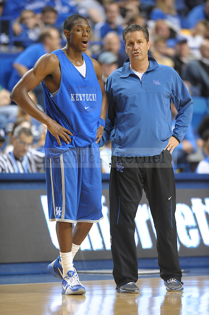 Coach Calipari instructs Freshman Brandon Knight during the UK mens basketball Blue/White scrimmage. Photo by Mike Weaver | Staff