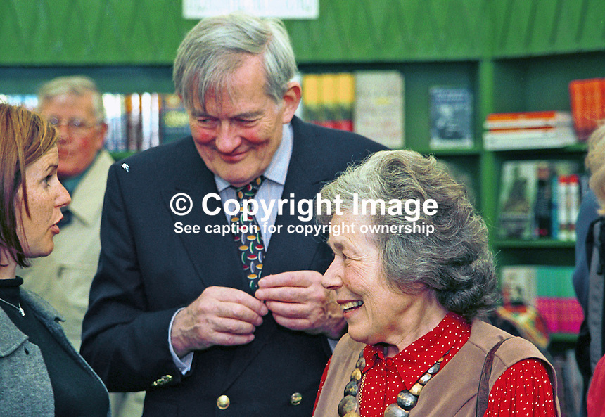 Alan Fry and Marianne Fry, parents of Stephen Fry, author, playwright, comic, broadcaster, actor, Britain, UK. Taken at or during Hay Book Festival. Ref: 200005061.<br />