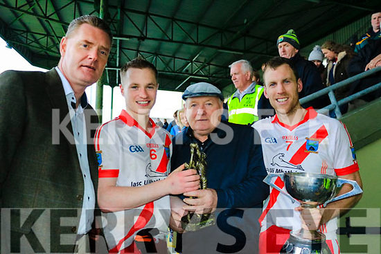 Captain and Man of the Award goes to An Ghaeltacht at the Castleisland Intermediate Club Football Championship final against Templenoe on Sunday last in Austin Stack Park, Tralee. <br /> L to R: Chairman of the Kerry County Committee, Tim Murphy, with Padraig &rdquo; Se (Man of the Match), Neilie Shanahan (Castleisland Mart) and captain Colm &rdquo; Mhuircheartaigh of An Ghaeltacht