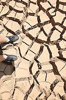 BRAGANÇA,SP 10.02.2014 - ABASTECIMENTO AGUA SISTEMA CANTAREIRA - Vista da represa Jaguari, que faz parte do Sistema Cantareira, em Braganca Paulista, que está mais de 8 metros abaixo do seu nível de vazão devido à falta de chuvas, nesta segunda-feira, 10. (Foto: Vanessa Carvalho / Brazil Photo Press).