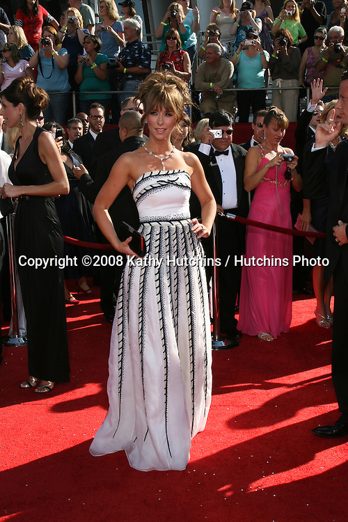 Jennifer Love Hewitt.arriving at the Primetime Emmys at the Nokia Theater in Los Angeles, CA on.September 21, 2008.©2008 Kathy Hutchins / Hutchins Photo....
