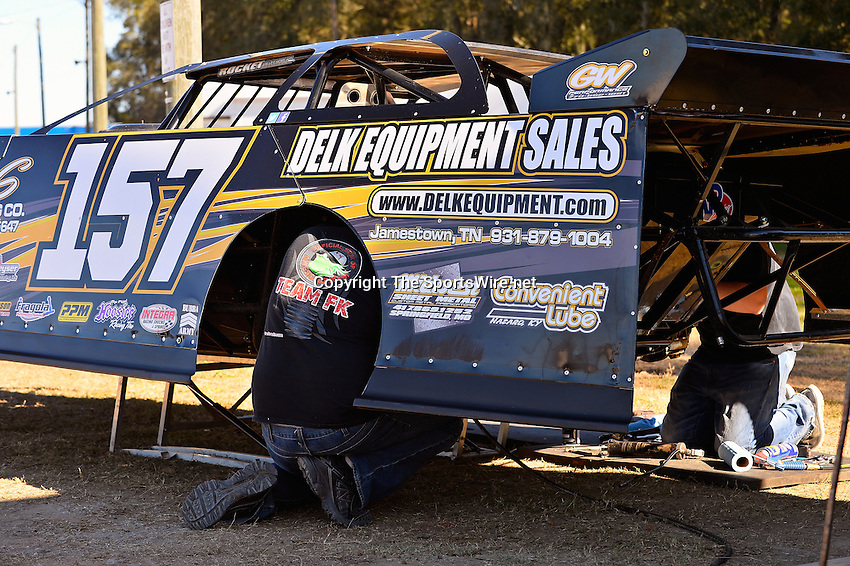 Feb 16, 2014; 3:21:10 PM; Ocala, FL., USA; The Third Annual Bubba Army Winter Nationals World Of Outlaws Super Late Models paying $12,000 to win at Bubba RaceWay Park.  Mandatory Credit: (thesportswire.net)
