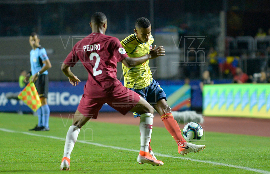SAO PAULO – BRASIL, 19-06-2019:William Tesillo de Colombia en acción durante partido de la Copa América Brasil 2019, grupo B, entre Colombia y Catar jugado en el Estadio Morumbí de Sao Paulo, Brasil. / William Tesillo of Colombia in action during the Copa America Brazil 2019 group B match between Colombia and Qatar played at Morumbi stadium in Sao Paulo, Brazil. Photos: VizzorImage / Julian Medina / Contribuidor