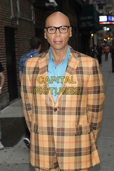 NEW YORK, NY - JUNE 23: RuPaul visits The Late Show With Stephen Colbert on June 23, 2016 in New York City.   <br /> CAP/MPI99<br /> &copy;MPI99/Capital Pictures