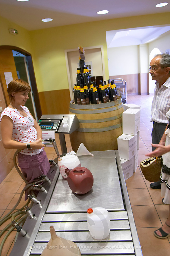 wine shop pump station to fill customers' containers le cellier des princes chateauneuf du pape rhone france