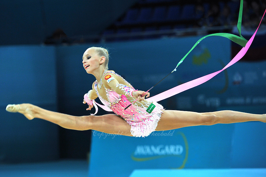August 29, 2013 - Kiev, Ukraine - YANA KUDRYAVTSEVA of Russia performs at 2013 World Championships.