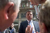 Matteo Renzi (PD) shakes hands to citizens during the italian first president Matteo Renzi in Milan for EXPO, on May 13, 2014. Photo: Adamo Di Loreto/BuenaVista*photo