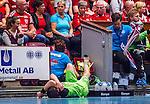 Eskilstuna 2014-05-15 Handboll SM-semifinal Eskilstuna Guif - Alings&aring;s HK :  <br /> Alings&aring;s Pontus Johansson har skadat sig i den andra halvleken och ligger ned vid sidan av planen med ett bandage runt foten<br /> (Foto: Kenta J&ouml;nsson) Nyckelord:  Eskilstuna Guif Sporthallen Alings&aring;s AHK SM Semifinal Semi skada skadan ont sm&auml;rta injury pain depp besviken besvikelse sorg ledsen deppig nedst&auml;md uppgiven sad disappointment disappointed dejected