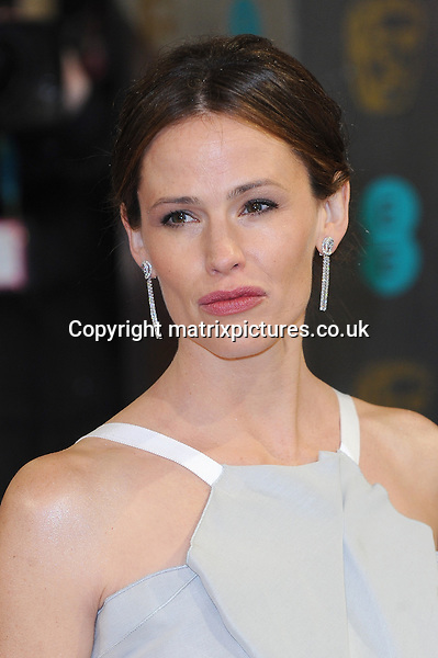 NON EXCLUSIVE PICTURE: PAUL TREADWAY / MATRIXPICTURES.CO.UK.PLEASE CREDIT ALL USES..WORLD RIGHTS..American actress Jennifer Garner attending the 2013 EE British Academy Film Awards, at London's Royal Opera House...FEBRUARY 10th 2013..REF: PTY 13945