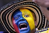 Un hincha colombiano alienta a su equipo antes del partido entre Colombia y Grecia en el Estadio Mineirao de Belo Horizonte el 14 de junio de 2014.<br /> <br /> Foto: Daniel Jayo/Archivolatino<br /> <br /> COPYRIGHT: Archivolatino<br /> Solo para uso editorial. No esta permitida su venta o uso comercial.