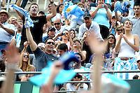 BUENOS AIRES, ARGENTINA, 15 SETEMBRO 2012 - COPA DAVIS -  ARGENTINA X REPUBLICA CHEGA - Torcedores durante partida entre os tenistas tchecos Tomas Berdych e Radek Stepanek contra os argentinos Eduardo Schwank e Carlos Berlocq pela Copa Davis em Buenos Aires, na Argentina, neste sabado, 15. (FOTO: JUANI RONCORONI / BRAZIL PHOTO PRESS).