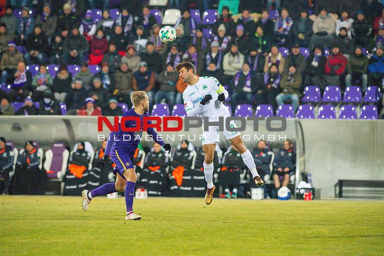 i19.03.2018, Erzgebirgsstadion, Aue, GER, 2. FBL, FC Erzgebirge Aue vs. SpVgg Greuther F&uuml;rth/Fuerth, im Bild<br /> <br /> <br /> Pascal Koepke (#14, FC Erzgebirge Aue), Marco Caligiuri (#13, Greuther Fuerth), <br /> <br /> Foto &copy; nordphoto / Dostmann