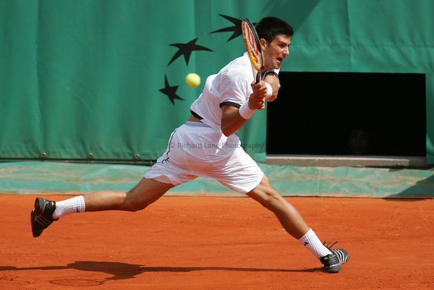 Photo: Iconsport/Richard Lane Photography..French Open, Roland Garros 2007. 31/05/2007..Novak Djokovic returns.
