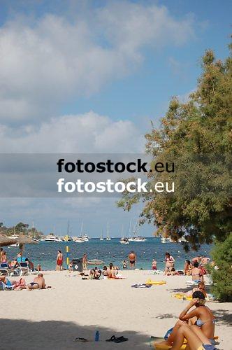 Santa Ponsa beach<br /> <br /> Playa de Santa Ponsa (Platja de Santa Ponca)<br /> <br /> Strand von Santa Ponsa<br /> <br /> Original: 3008 x 2000 px<br /> 150 dpi: 50,94 x 33,87 cm<br /> 300 dpi: 25,47 x 16,93 cm