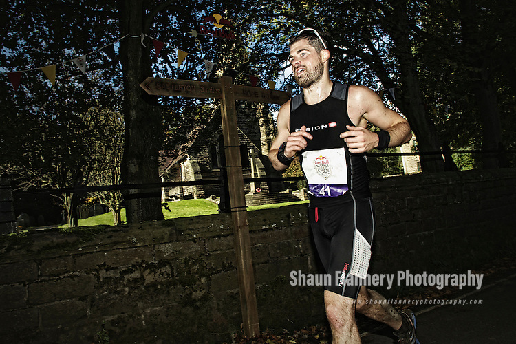 Pix: Shaun Flannery/shaunflanneryphotography.com...COPYRIGHT PICTURE>>SHAUN FLANNERY>01302-570814>>07778315553>>..7th October 2012..Redbull Steeple Chase..Castleton, Peak District, United Kingdom.<br />