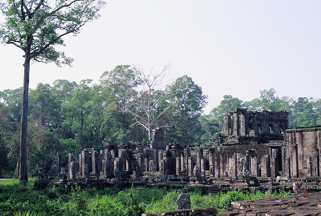 CAMBODIA, ANGKOR, ANGKOR THOM, BAYON TEMPLE, BUILT END OF 1100'S