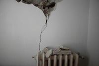 Bonefro: la crepa nel muro di una casa resa inagibile dal terremoto del 2002