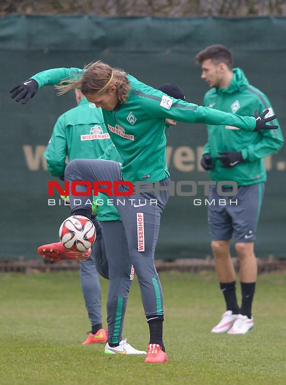 20.02.2015, Trainingsgelaende, Bremen, GER, 1.FBL, Training Werder Bremen, im Bild Jannik Vestergaard (Bremen #7)<br /> <br /> Foto &copy; nordphoto / Frisch