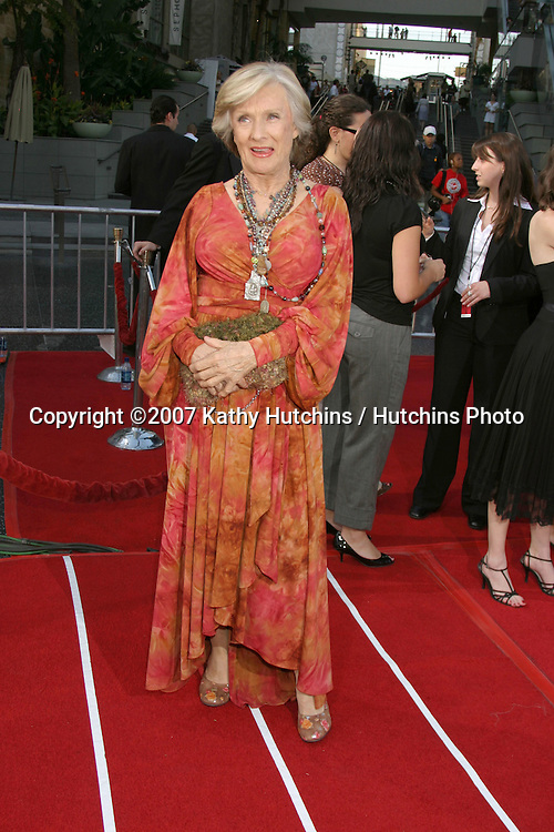 Cloris Leachman.AFI Salute to Al Pacino.Kodak Theater.Los Angeles, CA.June 7, 2007.©2007 Kathy Hutchins / Hutchins Photo....
