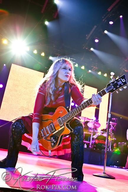 Heart perform at Mohegan Sun Arena July 4 2013