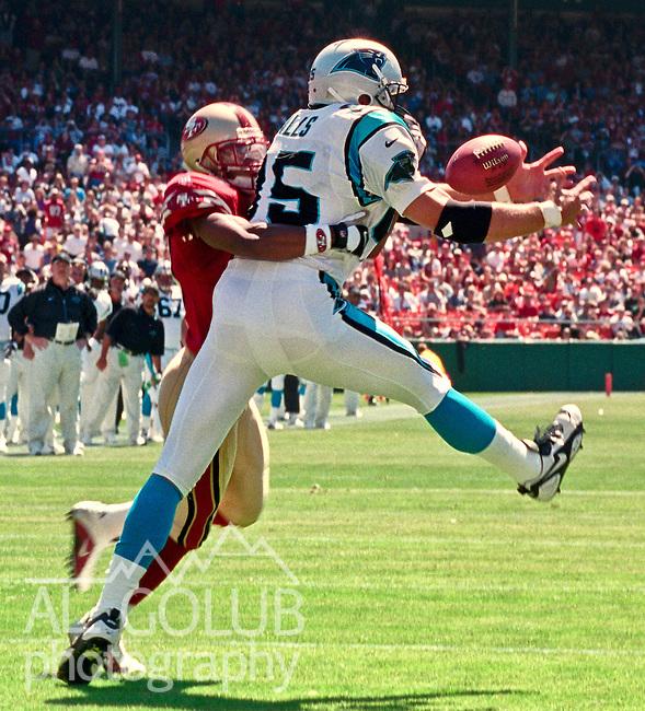 San Francisco 49ers vs. Carolina Panthers at Candlestick Park Sunday, September 10, 2000. Panthers beat 49ers 38-22.  Carolina Panthers tight end Wesley Walls (85).