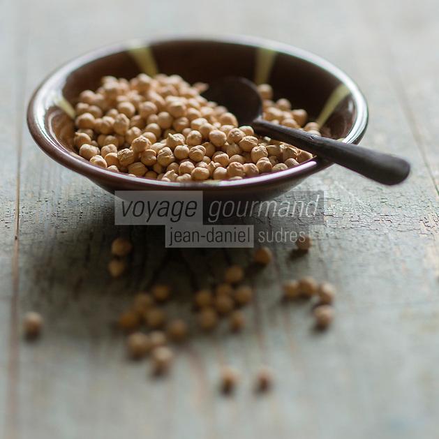 Gastronomie générale: Pois chiche - Stylisme : Valérie LHOMME  // General Gastronomy: Chickpea, Cicer arietinum