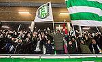 Stockholm 2015-01-30 Bandy Elitserien Hammarby IF - Sandvikens AIK :  <br /> Hammarbys supportrar sjunger under matchen mellan Hammarby IF och Sandvikens AIK <br /> (Foto: Kenta J&ouml;nsson) Nyckelord:  Elitserien Bandy Zinkensdamms IP Zinkensdamm Zinken Hammarby Bajen HIF Sandviken SAIK supporter fans publik supporters glad gl&auml;dje lycka leende ler le