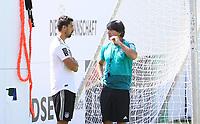 Bundestrainer Joachim Loew (Deutschland Germany) mit Sami Khedira (Deutschland Germany) - 05.06.2018: Training der Deutschen Nationalmannschaft zur WM-Vorbereitung in der Sportzone Rungg in Eppan/Südtirol