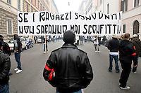 Tifosi di tutte le squadre di calcio italiane si sono incontrati a Roma per protestare contro la tessera del tifoso e contro l'inasprimento dei controlli allo stadio da parte delle forze dell'ordine.