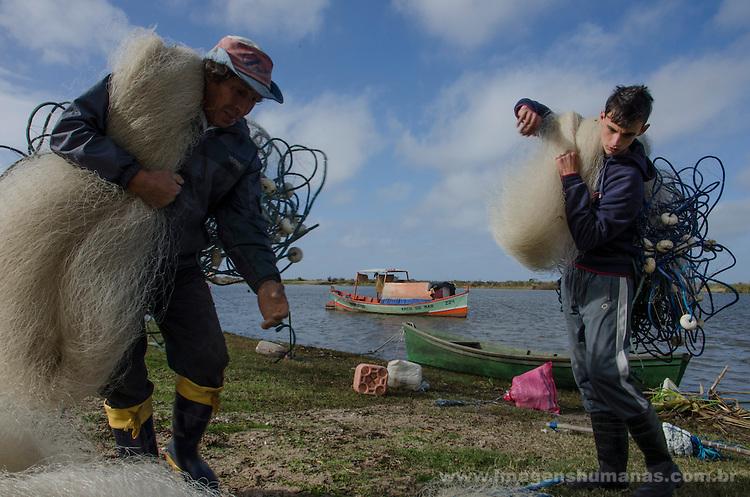Colônia de pescadores Z24 - Lagoa Mirim. Comunidade de Santa Isabel, no município de Arroio Grande, no Rio Grande do Sul.