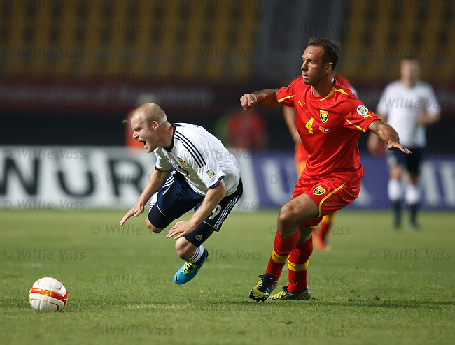 Steven Naismith fouled by Nikolche Noveski