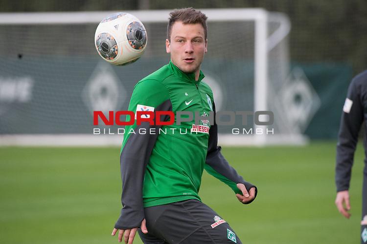 Trainingsgel&auml;nde, Jerez, ESP, 1.FBL, Trainingslager Werder Bremen 2014,  11.01.2014, <br /> Philipp Bargfrede (Bremen #44)<br /> <br /> <br /> <br /> Foto &copy; nordphoto/ Kokenge