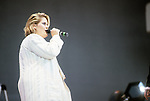 Alison Moyet performing at Live Aid at Wembley Stadium, London 1985.