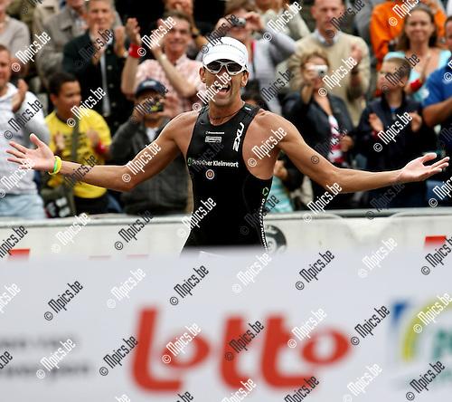 2008-08-03 / Triatlon / Antwerp Ironman / Marino Vanhoenacker won de wedstrijd..Foto: Maarten Straetemans (SMB)