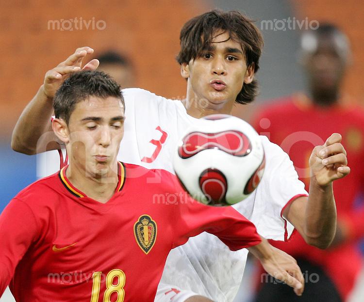 Fussball International U17 WM Korea  Belgien - Tunesien Belgium - Tunesia Maurizio Aquino (BEL, li.) gegen Bilel Ifa (TUN).