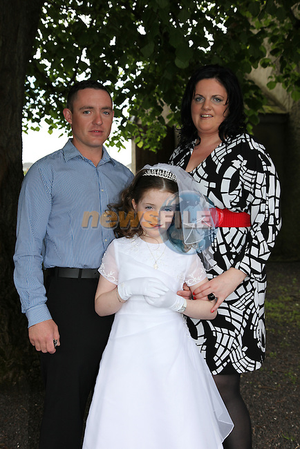 Lauryn Hussey - Smyth and Parents Dermot Smyth and mary Hussey at First Communion in Donore Church..Photo: Fran Caffrey/www.newsfile.ie..