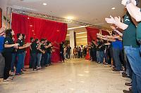 PIRACICABA, 29.04.14 - INAUGURAÇÃO SHOPPING CENTER PIRACICABA - Público tendo acesso ao Shopping Piracicaba pela primeira vez. (Foto: Mauricio Bento / Brazil Photo Press )