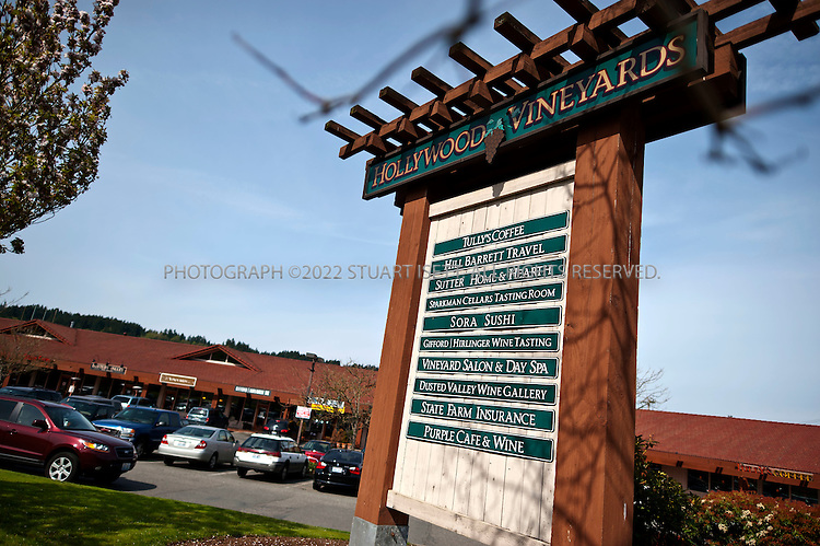 5/13/2011--Woodinville, WA, USA..A sign greats visitors to Woodinville's 'wine country'. Located 20 miles east of Seattle, the exurb of Woondinville has a booming wine industry...©2011 Stuart Isett. All rights reserved.
